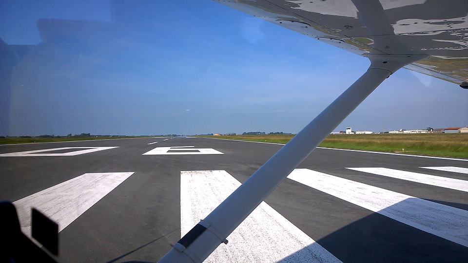 About to line-up for Runway 06