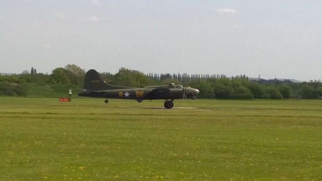 B-17 : Sally B at Cambridge